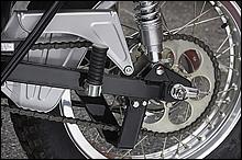 角型スイングアームを採用するリア周り。リアスプロケは39?52Tまで一丁刻みで用意されていた。