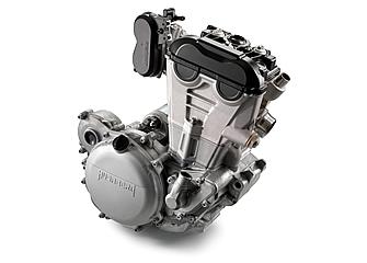2014年モデル化に際して大きなアナウンスのなかった350ccエンジン。ギアは6速となる。