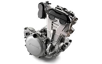 全面的にリニューアルされたFE250のエンジン。DDSクラッチも採用されている。