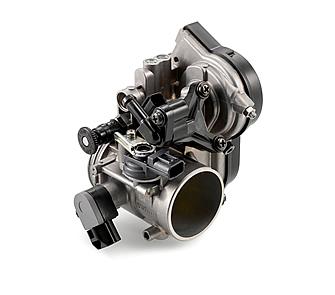 42mmのスロットボディを持つケーヒン製のエンジンマネージメントシステムとエンジンコントロールユニットを組み合わせ、最適なエンジンパフォーマンスを実現する。