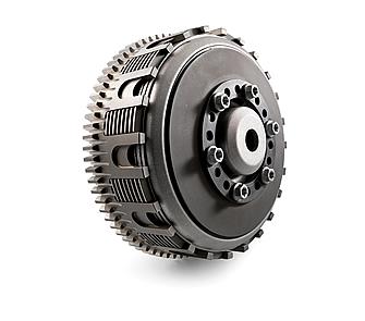2013年モデルの一部で採用された、ダイヤフラムスプリングタイプのDDSクラッチ。FE450にも使われ、耐久性の向上やエンジンのスリム化に効果がある。