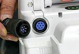充電端子はロック機構付きの安心設計です。