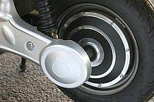 モーターハウジングは従来同様ですが、制御系が一新されたことで走行フィーリングは格段に良くなりました。