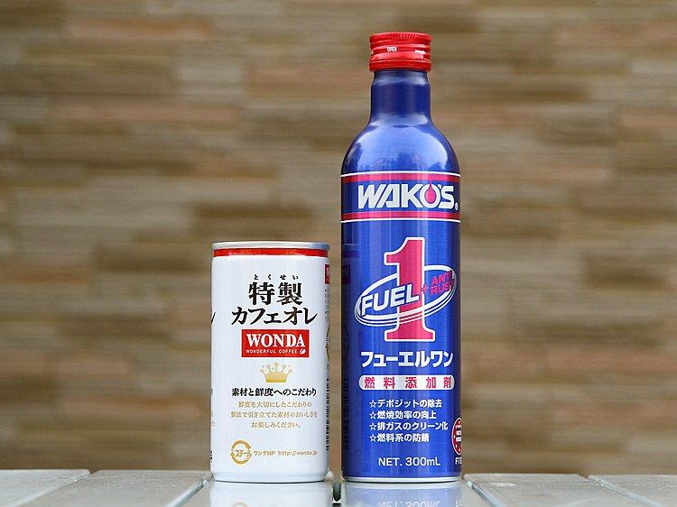 スリムなボトル形状ながら、容量はたっぷり300ml。使用量の目安は燃料40~50リットルに1本なので、マシンにもよるが、バイクなら余裕で2~3回以上は使用できる計算である。