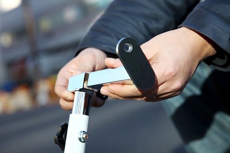 フック部分は、今回紹介した「はじめて受けセット」の他に、フックボルト装着車両専用「V字受け」、ほぼどんな車両でも対応できる「L字受け」の3種類があり、車両に合わせてセレクトできる。