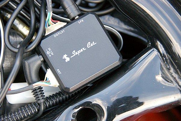 SH001Rには各種配線を取りまとめるジャンクションユニットがあるので設置も簡単。ユニット自体が超小型なので取り付けスペースを選ばない。