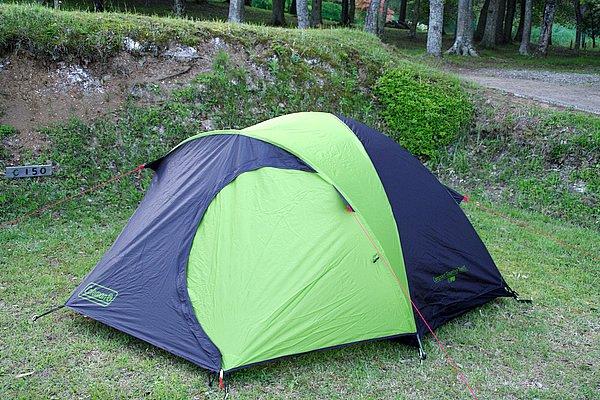 カラーはグリーンとブラックのツートン。キャンプ場でむやみに目立ちすぎない配色となっている。ストームガードは確認が容易なレッドだ。