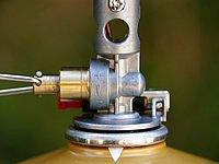低温下の連続使用でも強い火力を維持する新技術「マイクロレギュレーター」。火力調節の幅が広いのも魅力。