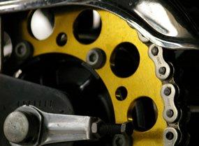 メンテナンスとチューニングを兼ねる駆動系カスタム