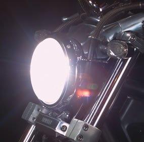 もうひとつのカスタム…HIDヘッドライト