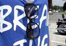 目の乾燥を防ぎ、安全対策にもなるサングラスは、晴天のツーリングには持っておきたいもの。D-for「クルージング・ライン ラージカジュアル」はどうですか?