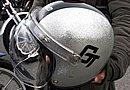 多くのハーレー乗りが愛用するジェットヘルメットEXTRABUCO GT シルバーフレークをチョイス。マッチしています!