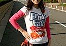 """""""アメリカン""""を演出?(笑) 果実ドリンクメーカーで知られる Minute Maid の Fruit Falls プリントTシャツを愛用されています。"""