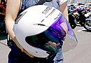 ヘルメットは安全重視で選んだというSHOEI「J-FORCE III」。ミラーシールドはUV効果もあり、相手から顔が見えないので使っているそうです。