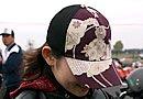 ヘルメットを脱いだときに髪が乱れるため、キャップは必需品というあささん。このデザインはハロルズギア?
