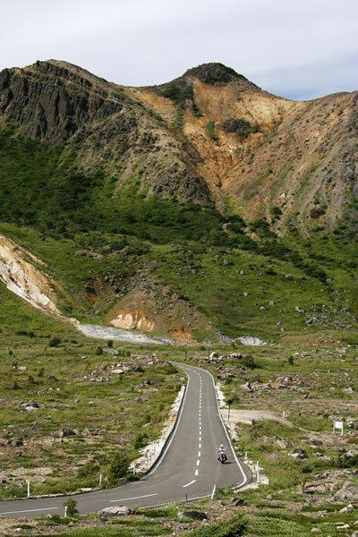 磐梯吾妻スカイラインは「日本の道百選」にも選ばれている絶景ロード! 西吾妻スカイバレーよりもダイナミックな道と景色が広がります。 初心者でも楽しめる道ですよ。
