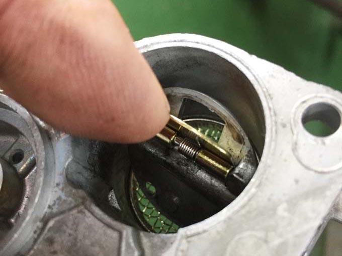 スーパーカブC50の旧車キャブレターがオーバーフロー(ガス漏れ)で困ってませんか?の画像