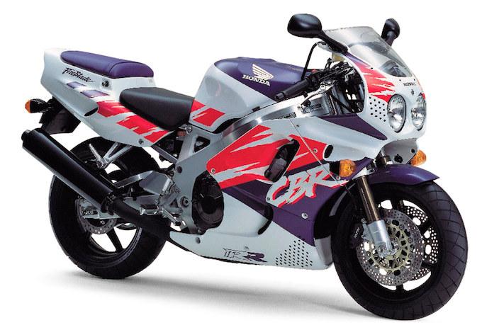 ホンダ CBR900RR(1992-1993) 高い運動性能を持つ元祖リッタークラススーパースポーツ!!の画像