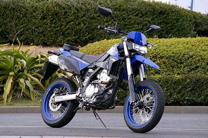 スーパーモタードってどんなバイク?
