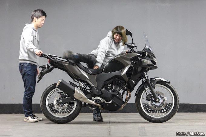 【バイク足つきチェック】2018年型カワサキVersys-X 250は意外と手強かった!の画像