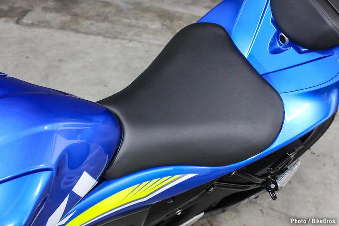 【バイク足つきチェック】2018年型スズキGSX-S125 ABS 125ならGSX-Sシリーズでも女子の足つき許容範囲内?の画像
