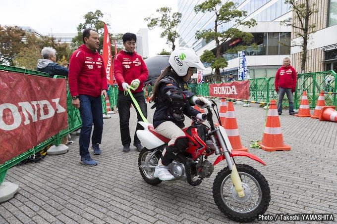 「バイクに乗らない人たちにも、バイクの楽しさを知ってもらいたい!」【バイクブロスまつり2018】レポート #01の画像