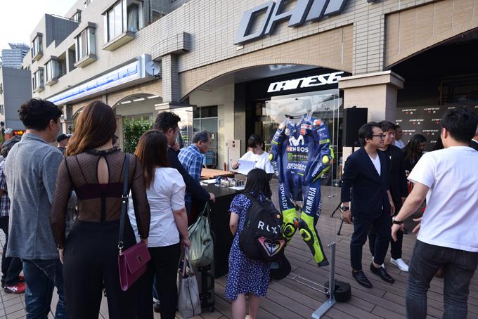 ジャコモ・アゴスチーニ氏をゲストに迎えた「ダイネーゼ台場」移転リニューアル記念イベントの画像01