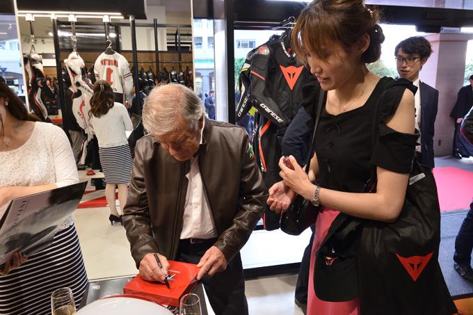 ジャコモ・アゴスチーニ氏をゲストに迎えた「ダイネーゼ台場」移転リニューアル記念イベントの画像