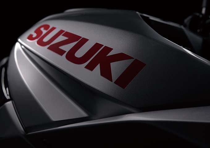 【最新情報】スズキ・新型カタナがついに日本で発売! 気になる価格や安全装備などの情報を紹介の画像