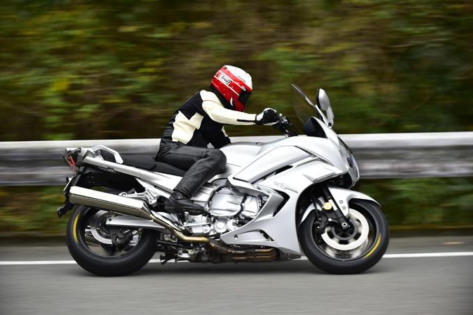 走り出した瞬間、「お! なんか軽い」ダンロップの新ツーリングタイヤ「ロードスマートⅣ」を体感した試乗インプレッションの画像09