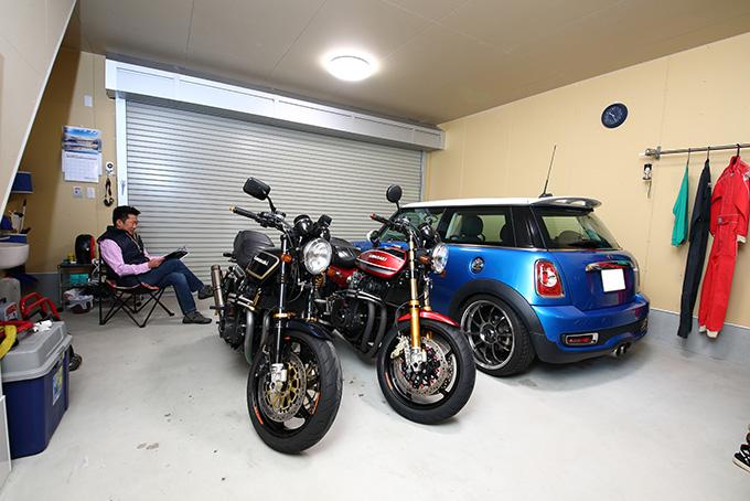 【【新型コロナに負けるな!ガレージライフ】住居とクルマ・バイク用の月極駐車場をひとつにまとめた快適ガレージライフ!のメイン画像