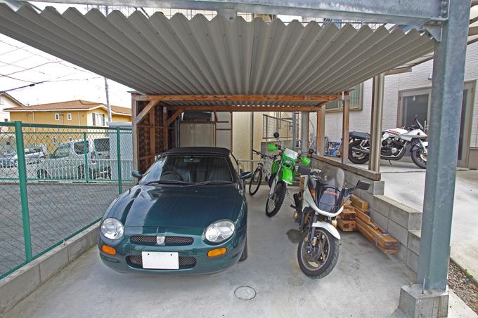 【新型コロナに負けるな!ガレージライフ】ビルトインガレージはバイクだけにすることで、念願のガレージハウスを実現の画像02