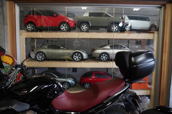 【新型コロナに負けるな!ガレージライフ】クルマ、バイク関係をはじめ、数々のデザインを手掛けた日本を代表するデザイナーが創り上げた創作空間の画像04