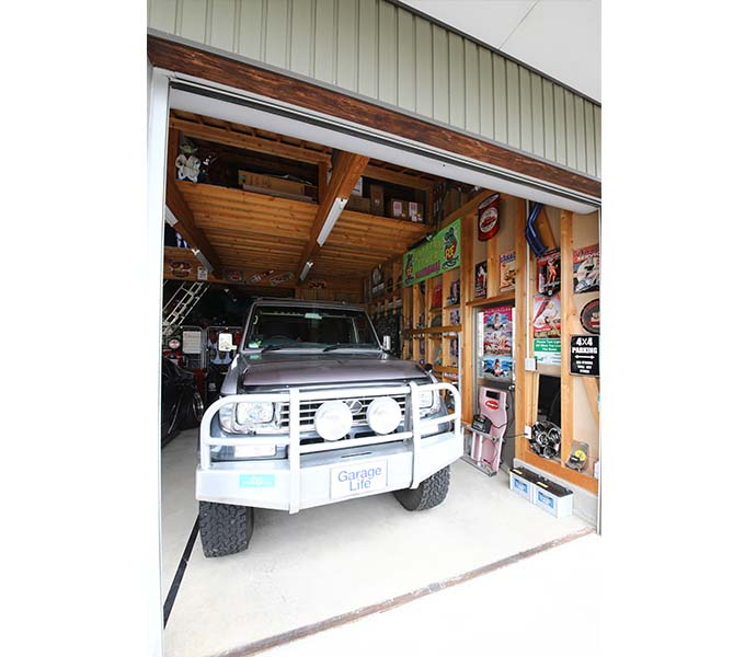 【新型コロナに負けるな!ガレージライフ】オトーサンがDIYでコツコツと仕上げ、親子で楽しめる素敵なガレージを構築の画像02