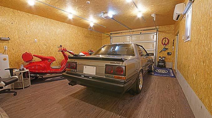 【新型コロナに負けるな!ガレージライフ】ウッドガレージ特有のぬくもりを残しながらモダンでスタイリッシュなスタイルに纏め上げるの画像05