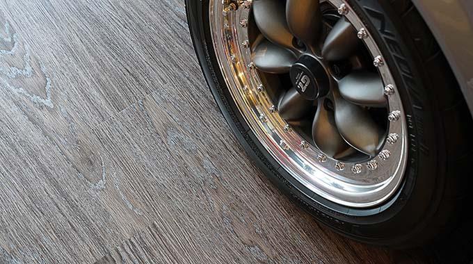 【新型コロナに負けるな!ガレージライフ】ウッドガレージ特有のぬくもりを残しながらモダンでスタイリッシュなスタイルに纏め上げるの画像10
