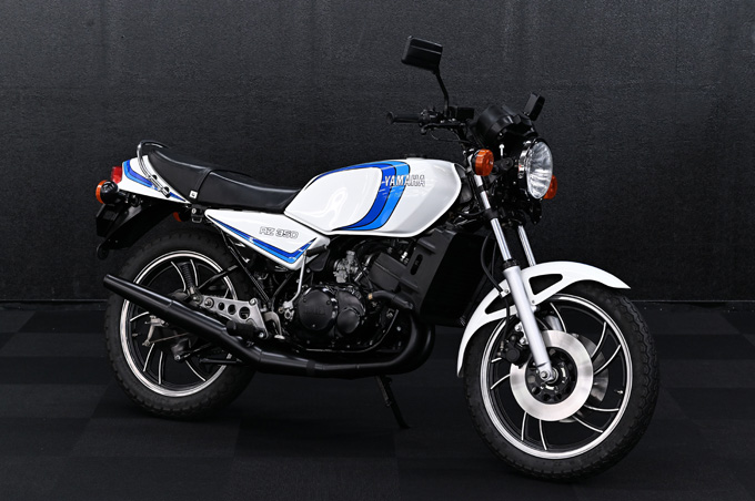 あの頃憧れた車両に今こそ乗りたい!バイク王が主催する「第7回CSコンテスト テクニカ部門(車両レストア)」の優勝はナナハンキラーの1981年式ヤマハRZ350の画像01