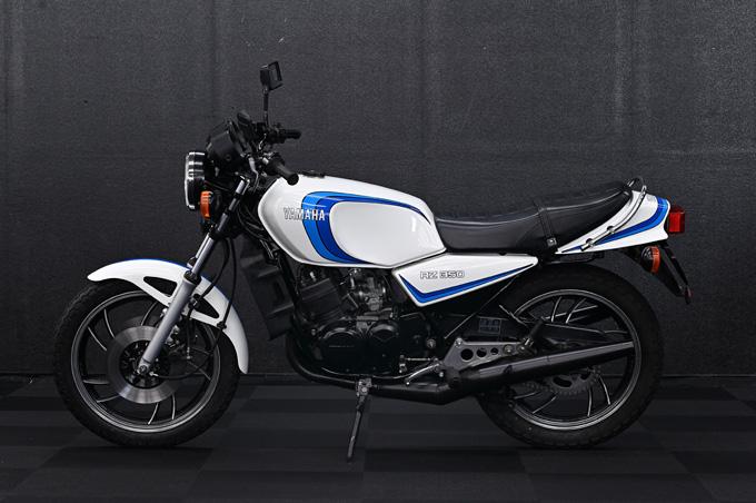 あの頃憧れた車両に今こそ乗りたい!バイク王が主催する「第7回CSコンテスト テクニカ部門(車両レストア)」の優勝はナナハンキラーの1981年式ヤマハRZ350の画像02