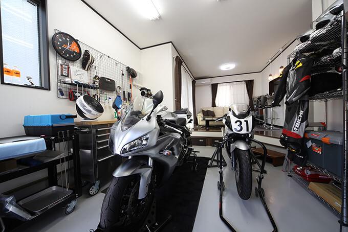 """【【新型コロナに負けるな!ガレージライフ】""""売り建て""""物件で実現させた、バイクを愛でるGLDKスタイルのメイン画像"""