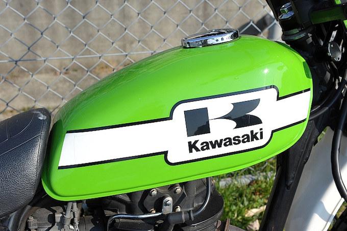 この車両を購入するキッカケとなったカワサキグリーンの美しいタンク。
