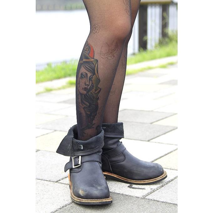 履き慣れたエンジニアのショートブーツはお気に入りのアイテム。