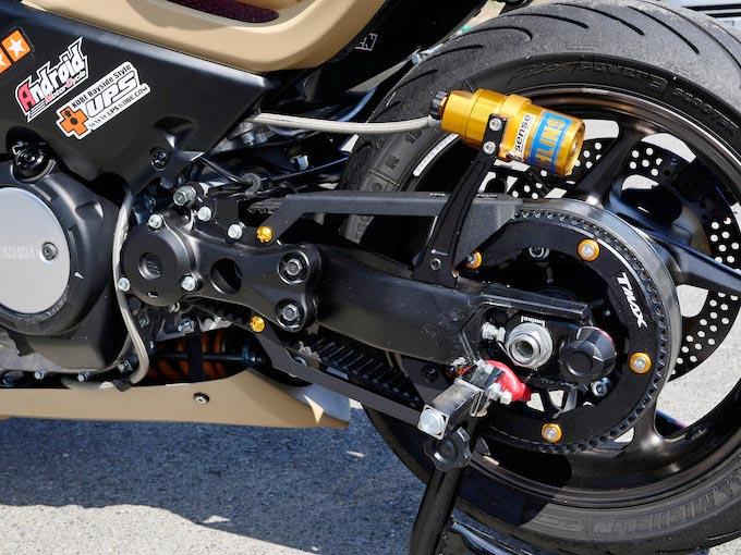 スクーターレースでの実績高いKN企画によるTMAX530のカスタム画像