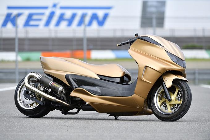400ccの魅力をハードスタイルで表現したグランドマジェスティの画像