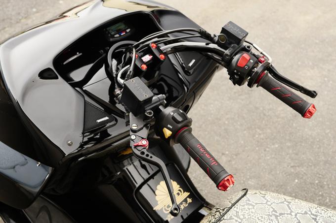 太足フォルツァの存在感が光るビッグスクーターカスタムのカスタム05画像