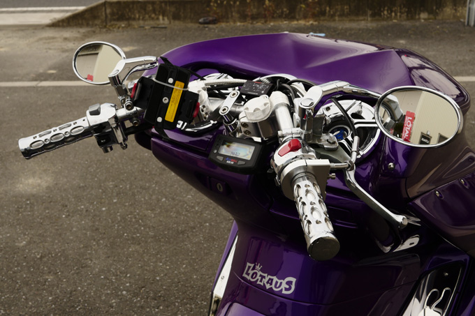 懐かしのボルトオン4輪化キットを手に入れたマジェスティCカスタムのカスタム06画像
