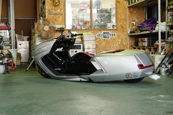 細部に渡りこだわりが凝縮されたビッグスクーターカスタム!速さを楽しむためのマグザムスタイルの02画像
