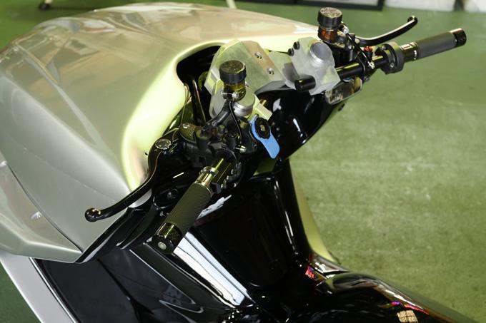 細部に渡りこだわりが凝縮されたビッグスクーターカスタム!速さを楽しむためのマグザムスタイルのカスタム04画像