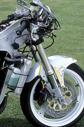 Suzuki 500 RG - Page 3 Detail05_b