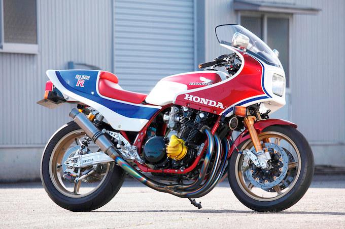 モータースポーツショップWITH CB1100R(ホンダ CB1100R)のカスタム画像