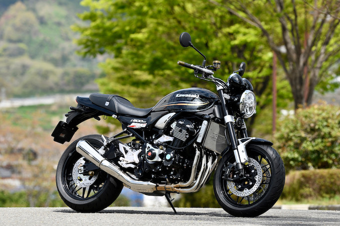 AGRAS Z900RS(カワサキ Z900RS)のカスタム画像